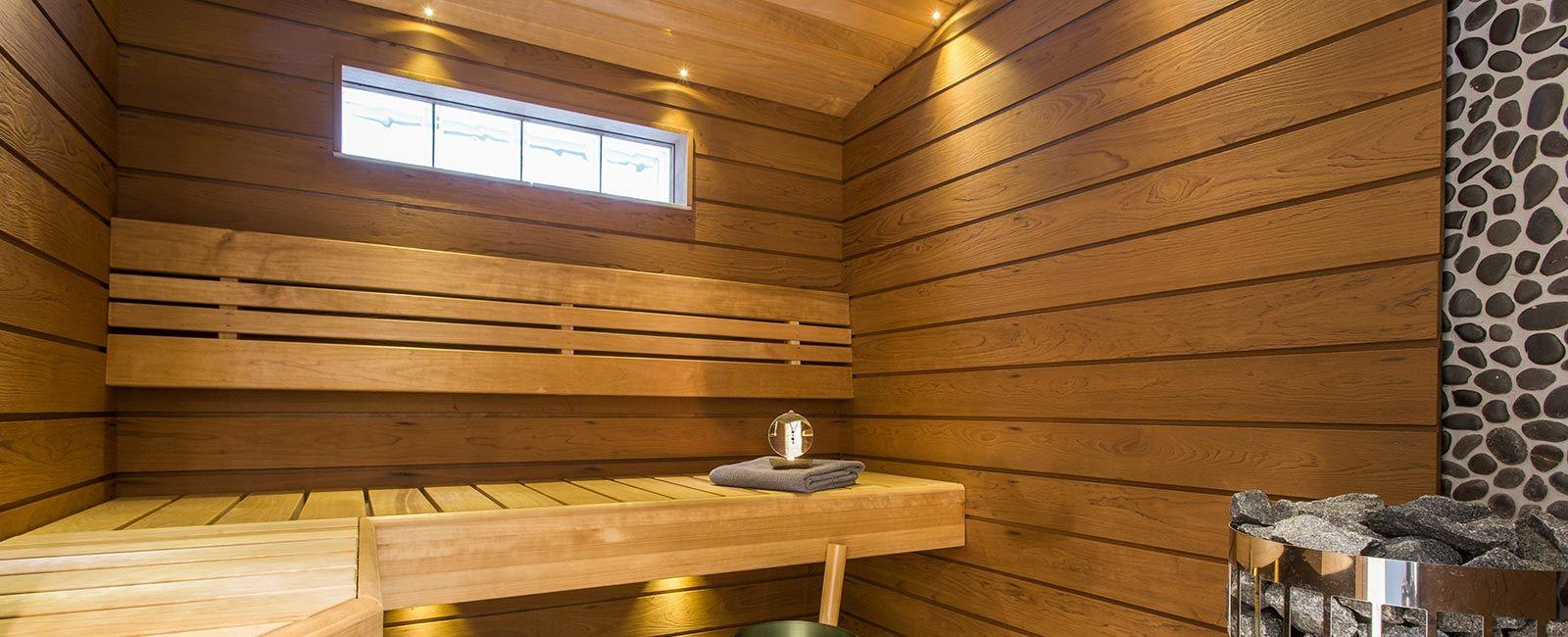 Saunan seinien ja lauteiden käsittely saunavahalla